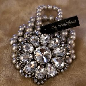 Lucky Rhinestone stretch flower